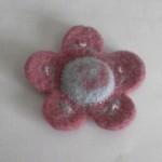 フェルトブローチ花